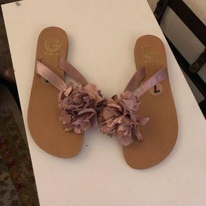 Yes size large sandals flip-flops